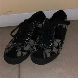 Authentic coach sneakers. Size 5. Good condition